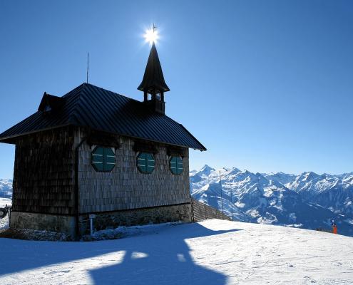 Winter in Zell am See, Elisabethkapelle, Schmittenhöhe, Villa Klohtilde
